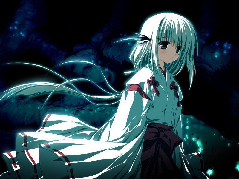 白色衣服和头发的动漫美少女