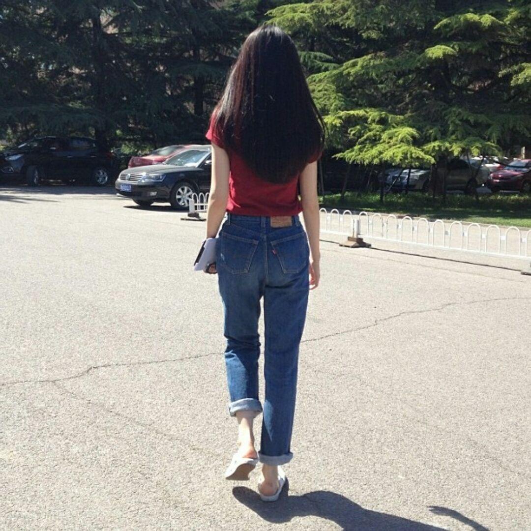 求一个美女背面图片 就是背面