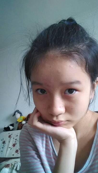 小学六年级的女生剪空气薄刘海合适吗?头发黑,发质有点粗!可以吗?图片