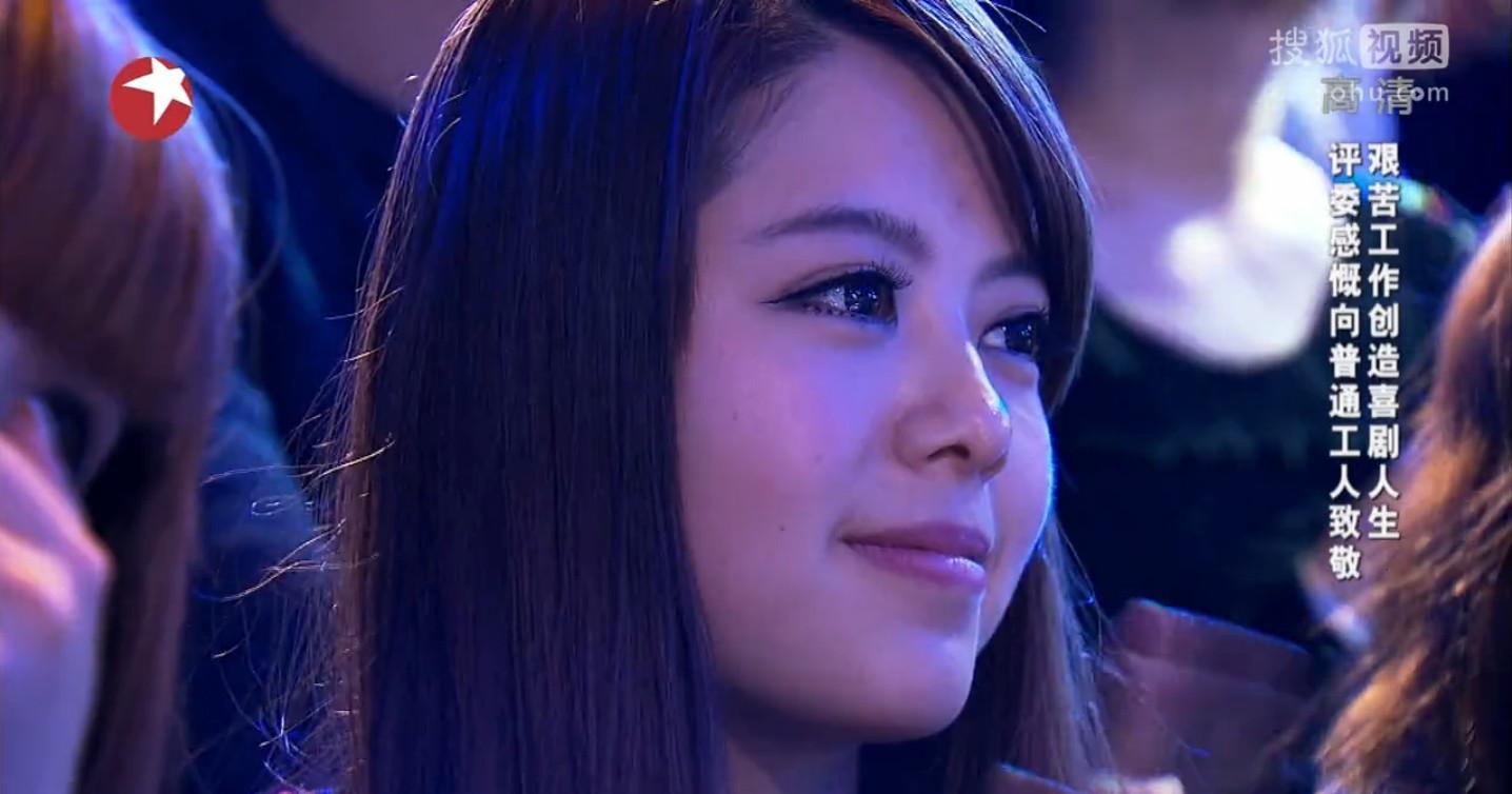 为什么上海卫视星期天播出的笑傲江湖现场那么多美女