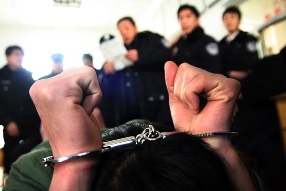 公安局副局长为啥17次收受同一人贿赂