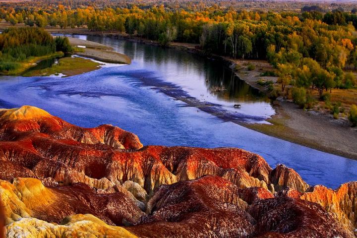新疆五彩滩在哪里