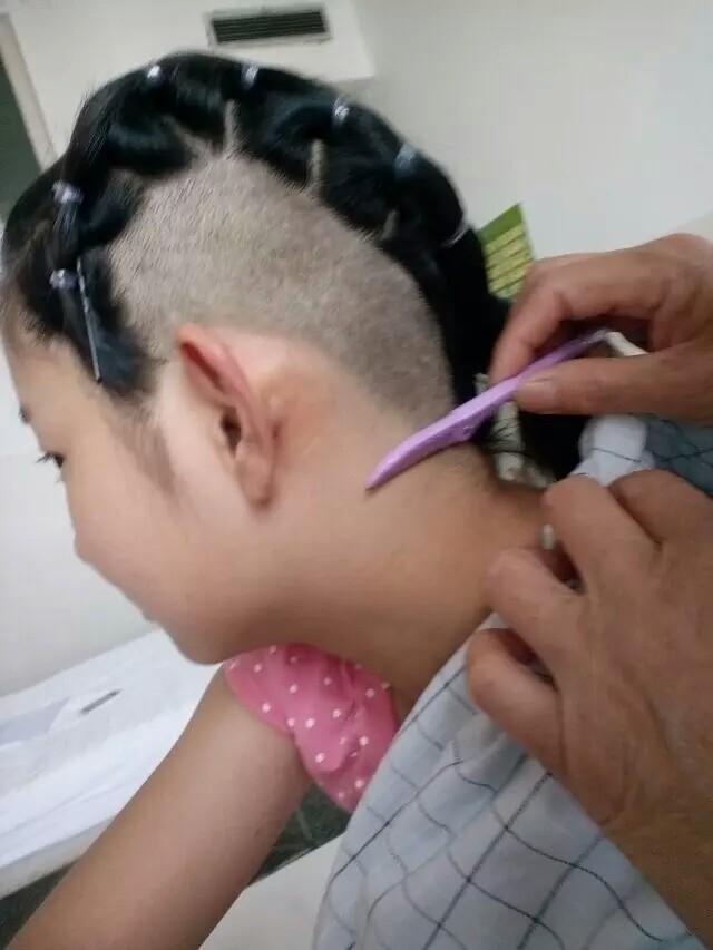 求女生两耳头发剃光发型,只是露出耳朵剃小小头发那种图片