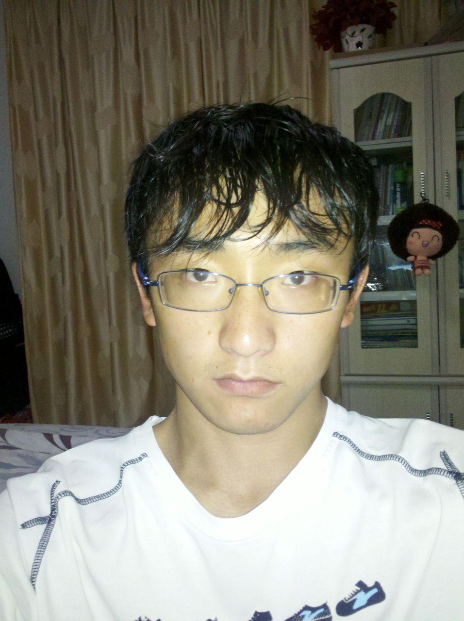 男生短发发型图片