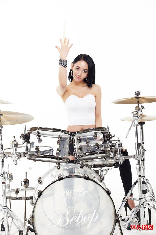 韩国女鼓手求名字