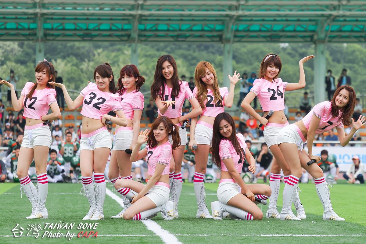 少女时代在运动场跳oh!