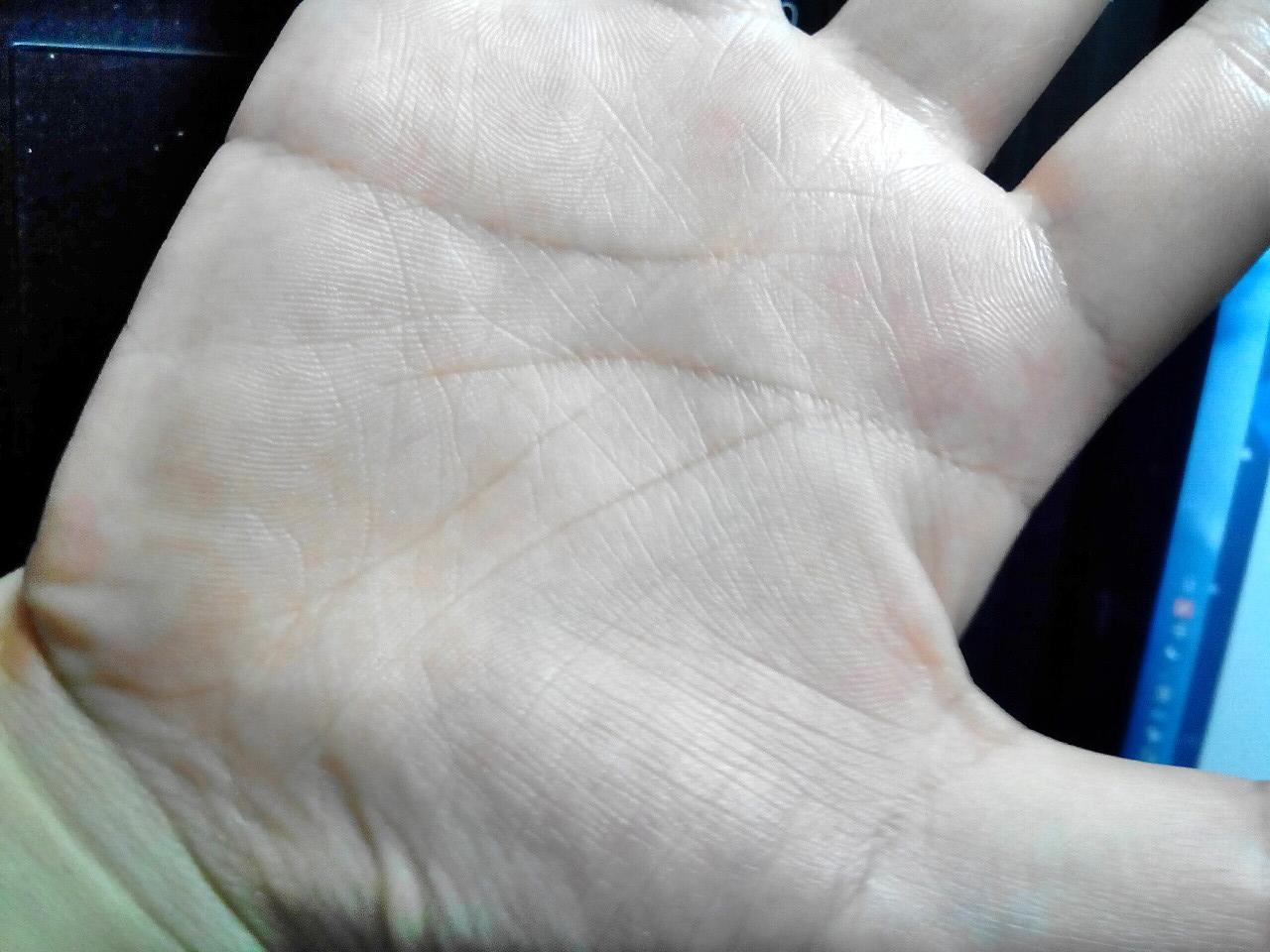 女生掌纹_拜托帮我看看掌纹,谢了,女 2013-08-21 有谁会看掌纹,帮我看一下,女生