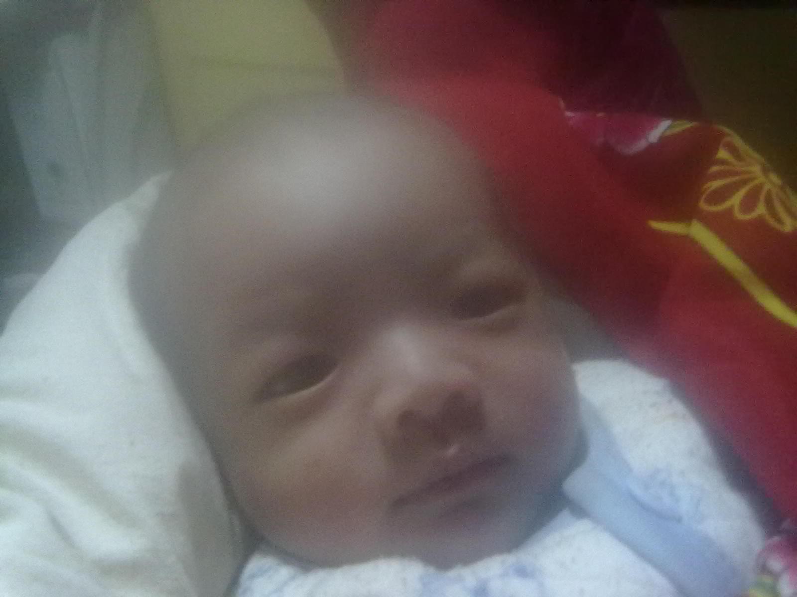 我姓石,我家宝宝大年三十(16:50)生的,男孩,六斤七两,起什么名字好,在图片