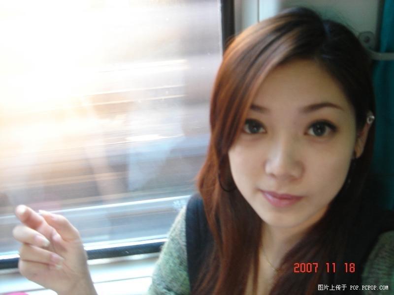 有人知道这美女是谁吗?