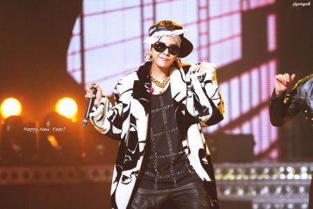 湖南卫视跨年演唱会韩国连线哪个是权志龙图片