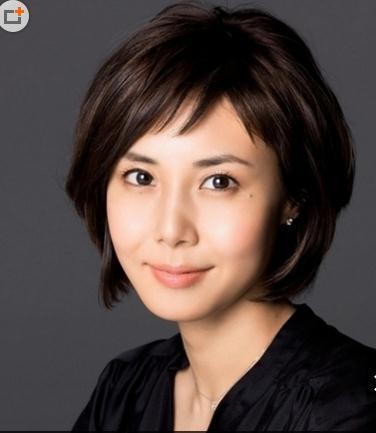 中年妇女短发烫发发型图片
