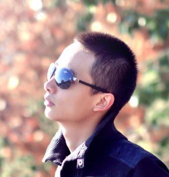 短发造型,清爽的露额发型显露出光洁的额头,对于小圆脸的男生来说这款图片