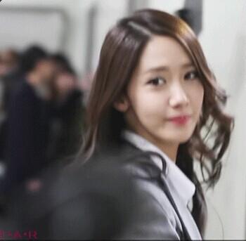 转身�9�,y/h9.i�c!_这张韩国美女转身图片上的美女是谁