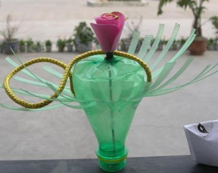 塑料瓶种�9f�x�~j�>�X_自制简单塑料瓶作品