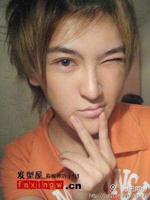 什么发型适合长脸大眼睛双眼皮的男生图片