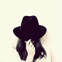 戴帽子 看不到脸的女生头像