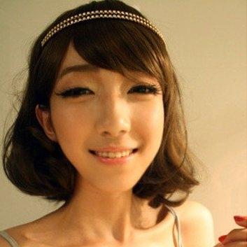 求这张短发美女头像的大图,要清晰的 3q图片