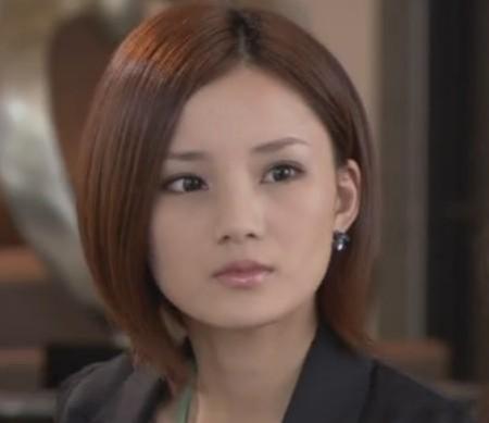 女生圆脸适合什么短发发型图片