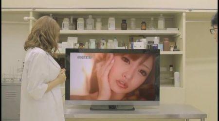 图片来自ebod318 注意是电视机里的.