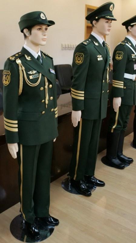武警新军服和陆军的有什么不同