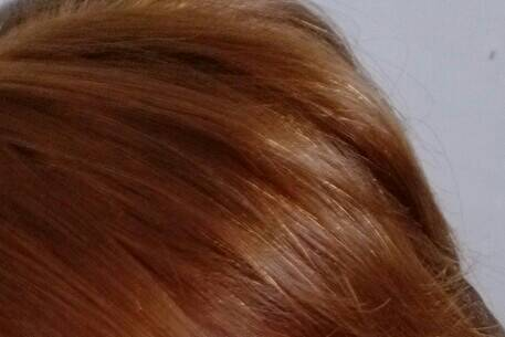 但是看到头发上就像图片上一样;不知道是不是染花了图片