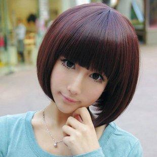 女生20岁,剪短发,不烫不染好打理图片