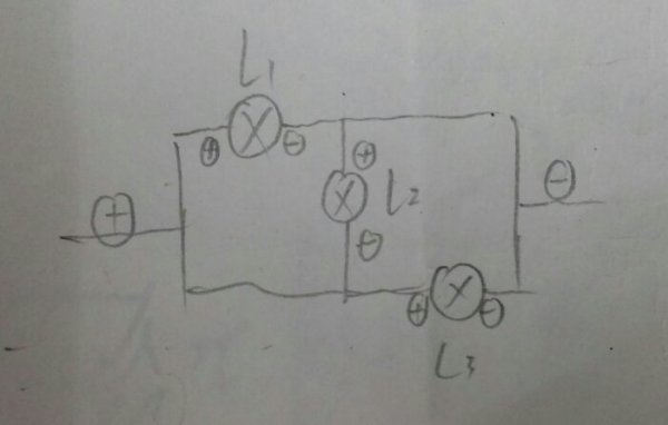 初中物理,电路图,2号灯泡是不是没有电流通过