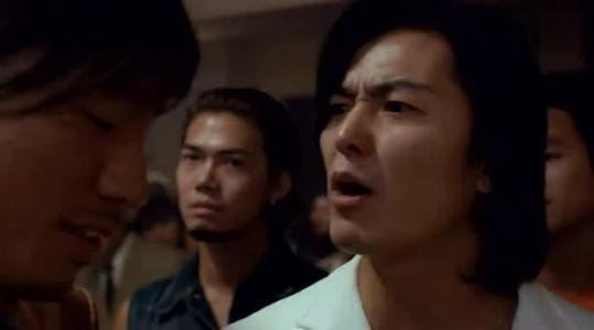 惑仔 中为什么小结巴死后陈浩南还能和别的女人在一起图片