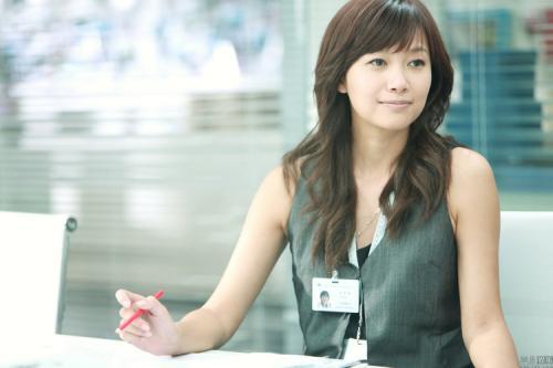 如何评价2010年徐静蕾主演电影杜拉拉升职记?图片