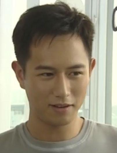 律政新人王 饰演卓伟名的陈键锋怎么那么像温兆伦